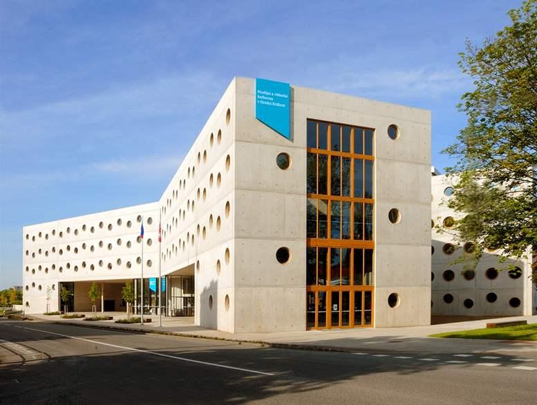 Deset let  Studijní a vědecké knihovny