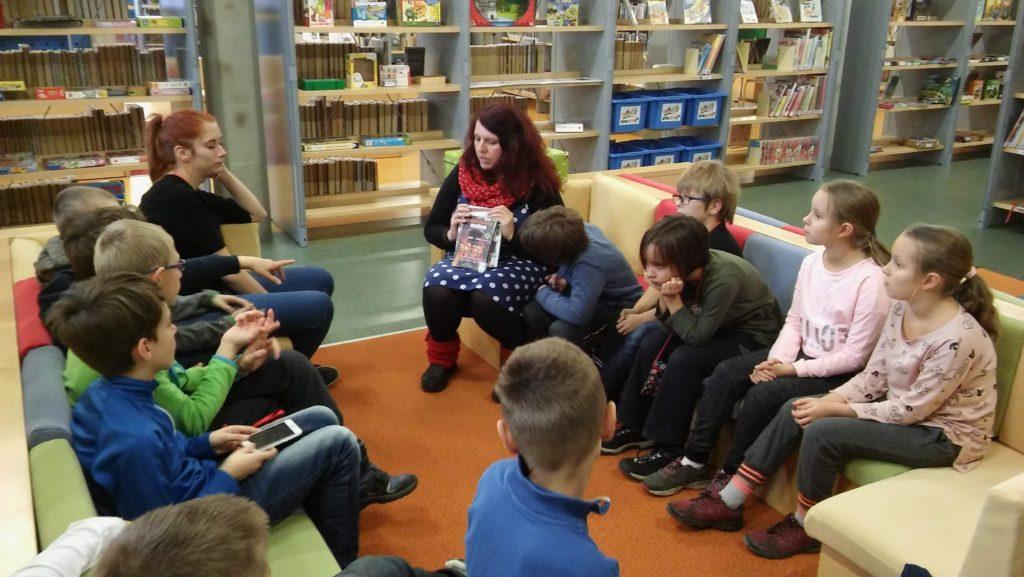 školní družina v knihovně Velryba