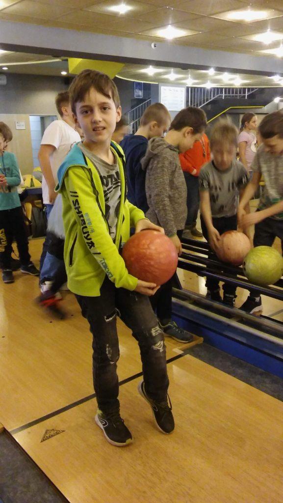 II. oddělení školní družiny na bowlingu