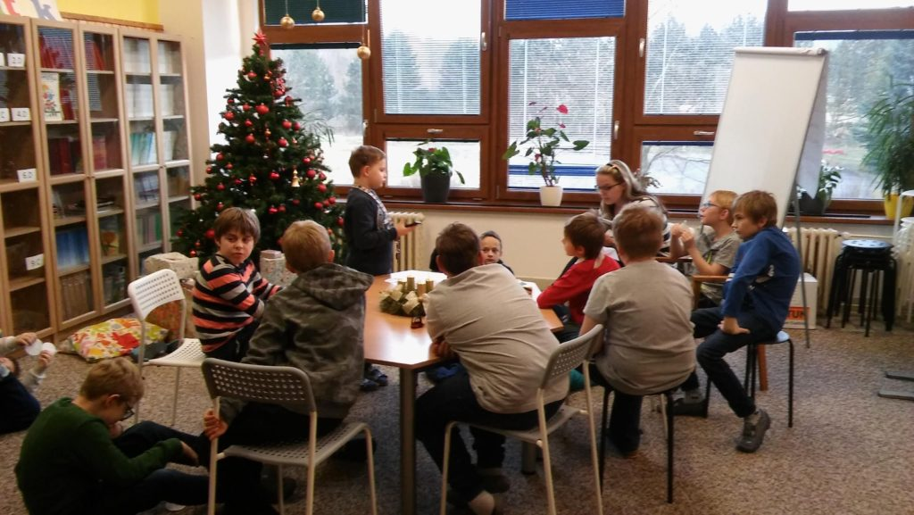 Adventním čtení v 5. oddělení školní družiny