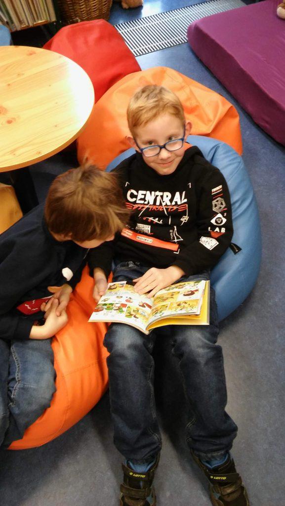 5. Oddělení školní družiny v knihovně Pohádka