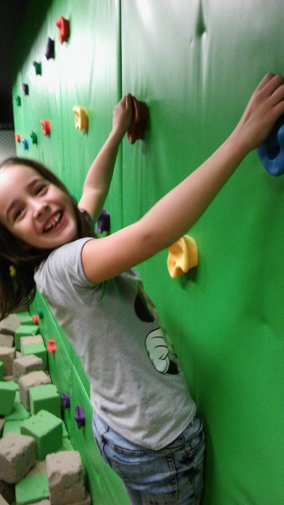 5. Oddělení školní družiny sportuje ve Fly Zone parku
