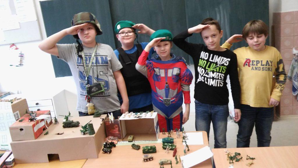 Vojáčci v 5. oddělení školní družiny