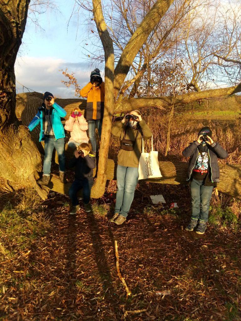 Výprava s dalekohledy ve školní družině