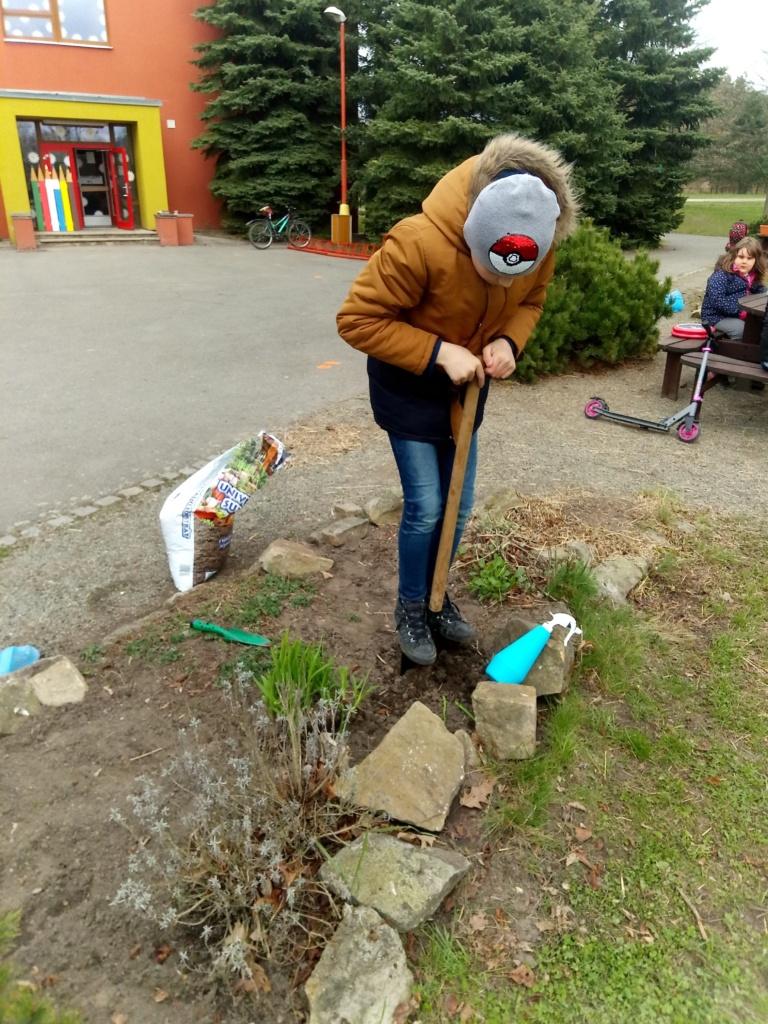3. Oddělení školní družiny si užívá přírodu